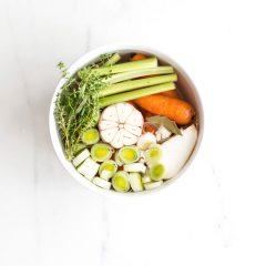 Homemade Vegetable Stock Recipe / @spotebi