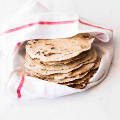 Easy 6-Ingredient Spelt Tortillas Recipe / @spotebi