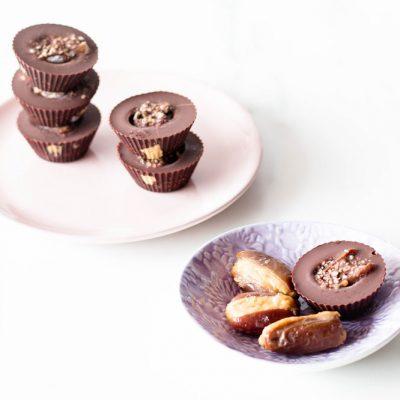 Chocolate-Covered Peanut Butter Stuffed Dates Recipe / @spotebi