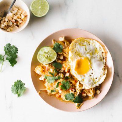 Low-Carb Fried Cauliflower Rice with Shrimp & Egg Recipe / @spotebi