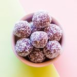 Chocolate Coconut Energy Bites Recipe / @spotebi