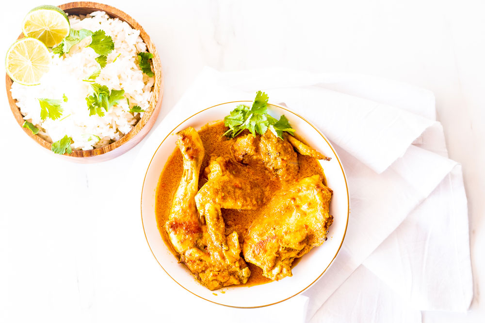This coconut chicken curry is a delicious meal prep idea. It's high in protein, low in carbs, and is perfect for warming you up on the cold winter days! https://www.spotebi.com/recipes/meal-prep-recipe-coconut-chicken-curry/