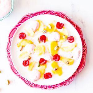 Peach & Pistachio Fruit Salad with Raspberry Mascarpone Recipe / @spotebi